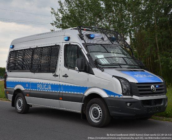 Policja Zamość: Nie zostawiajmy w zaparkowanych pojazdach dzieci i zwierząt